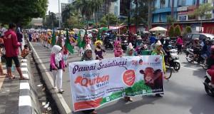 Pawai ulang tahun ke-21 Yatim Mandiri di Simpang Lima Semarang
