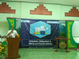 Khoirul Anwar menyampaikan sambutan dalam Opening Ceremony Expo Fakultas Ekonomi dan Bisnis Islam UIN Walisongo Semarang. (foto: Ahmad Gozali)