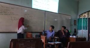 Suasana rapat kerja Himpunan Mahasiswa Jurusan S1 Perbankan Syariah bertempat di Gedung H.