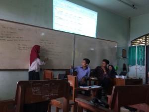 Suasana rapat kerja Himpunan Mahasiswa Jurusan S1 Perbankan Syariah bertempat di Gedung H. Minggu, (11/03/2018).