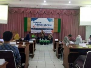 Suasana Sekolah Administrasi dan Gathering Ormawa Fakultas Ekonomi dan Bisnis Islam di Audit I Lantai III UIN Walisongo Semarang. Kamis, (22/3/2018).