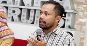 "Donal fariza sedang menyampaikan materinya diacara ""peluang politisi muda di pemilu 2019"" Sabtu,28/04/18"