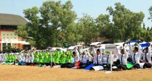 Sebanyak 4105 mahasiswa baru melaksanakan PBAK di Kampus III, UIN Walisongo Semarang. Senin,(27/08/2018)