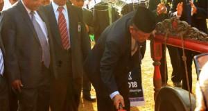 Pemukulan gong mengawali pembukaan  PBAK oleh Rektor UIN Walisongo . (27/08/2018)