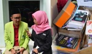 Kru lpminvest.com saat mewawancarai Ketua DEMA-U, Fahmi terkait penyaluran donasi buku. Rabu, (29/8/2018)