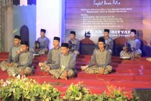 Penampilan UKM JQH UIN Walisongo pada Festival Hadroh Banjari Se-Nusantara, di Pondok Pesantren An-Nurriyah Lasem, Rembang.