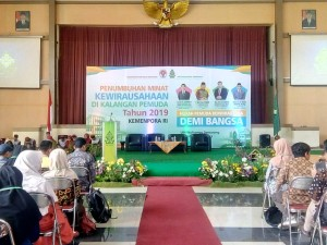 Suasana pelaksanaan kegiatan Penumbuhan Minat Kewirausahaan di Kalangan Pemuda, bertempat di Auditorium 2 Kampus III. Selasa, (10/9/2019).