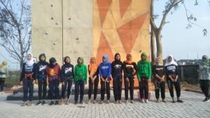 wall climbing berlangsung di lapangan utama kampus III UIN Walisongo Semarang