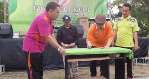 Penandatanganan Program FEBI Go Green oleh Imam Taufiq Rektor UIN Walisongo