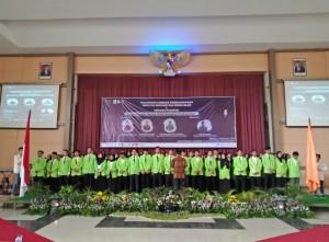 Prosesi ikrar pelantikan organisasi mahasiswa Fakultas Ekonomi dan Bisnis Islam (FEBI) UIN Walisongo Semarang.