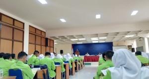 Suasana KKL Ekonomi Islam Fakultas Ekonomi dan Bisnis Islam UIN Walisongo Semarang di islamic center baznas provinsi Jawa Timur
