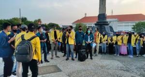 Pembacaan Orasi di Tugu Muda Semarang